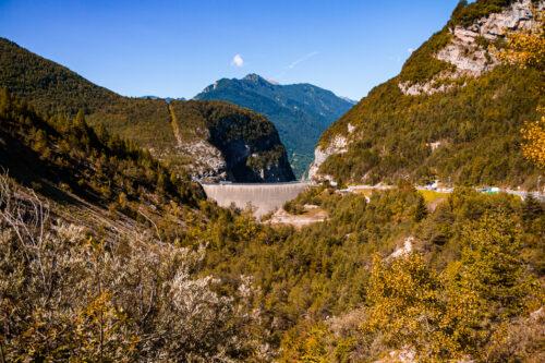 Vajont: visita alla diga del disastro in punta di piedi